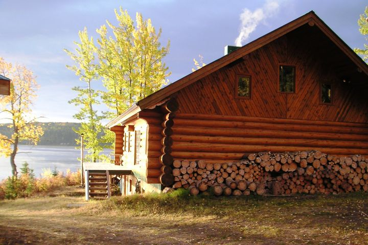 blockhaus am see in kanada francois lake. Black Bedroom Furniture Sets. Home Design Ideas