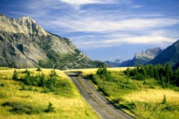 Mietwagen Kanada - Red Rock Canyon Rd., Waterton Lakes - Bild: Travel Alberta